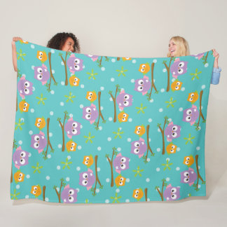Adorable Cartoon Style Owls on Branch Print Fleece Blanket