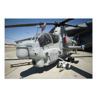 AH-1Z Super Cobra attack helicopter Photo