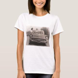 ala yaya sisters T-Shirt