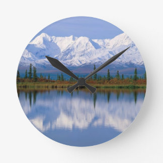 Alaskan Mountians Clocks