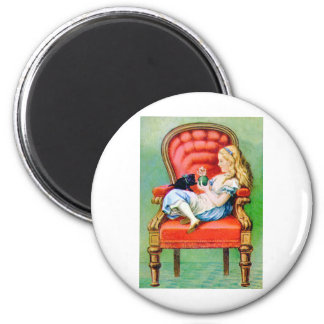 ALICE AND HER CAT, DINAH 6 CM ROUND MAGNET