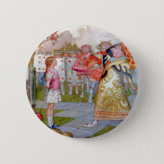 ALICE  MEETS THE QUEEN OF HEARTS 6 CM ROUND BADGE