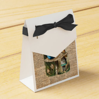Alice,Mushroom and Jin,Vintage Dictionary Art Party Favour Boxes