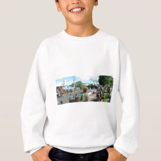 alien in the crowd sweatshirt