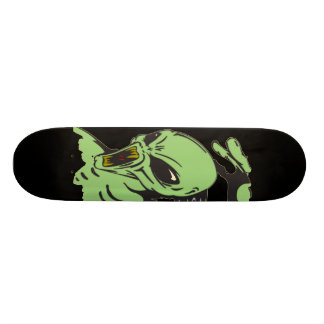 Alien On The Attack 21.3 Cm Mini Skateboard Deck