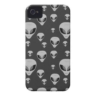 Alien Pattern Blackberry Bold Case