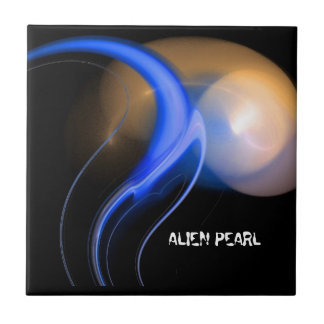 ALIEN PEARL SMALL SQUARE TILE