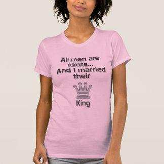 All men are idiots... T-Shirt
