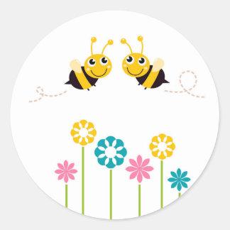 Amazing little cute Bees t-shirts Round Sticker