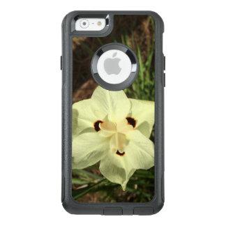 Amazing White Flower OtterBox iPhone 6/6s Case