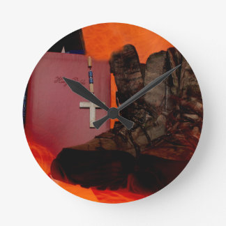 American Hunter Round Clock