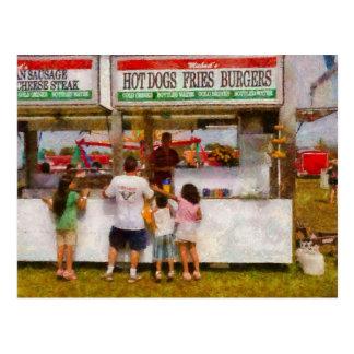Amusement - Daddy I want a hot dog Postcard
