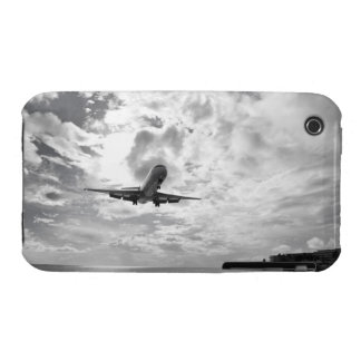 An airliner comes in for a landing at Princess iPhone 3 Cover