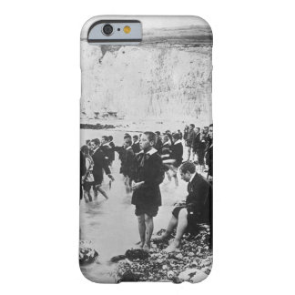 An American Red Cross outing center on_War Image Barely There iPhone 6 Case