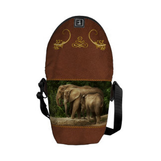 Animal - Elephant - Tight knit family Commuter Bag