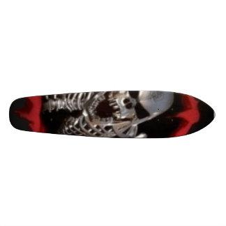 Animated-Skull Skateboard Deck