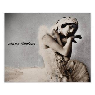 Anna Pavlova Posed en Pointe Photo Print