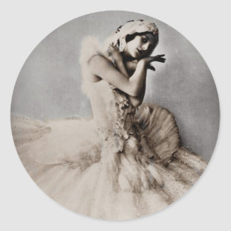Anna Pavlova Posed en Pointe Round Sticker