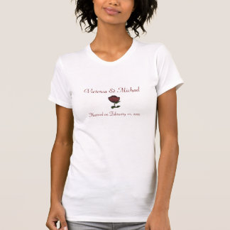 Anniversary Date w/ Names - Single Red Rose [b] T Shirt