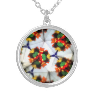 anstract design round pendant necklace