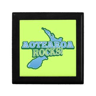Aotearoa Rocks! New Zealand map Keepsake Box