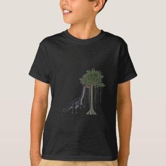 Apatosurus Dinosaur feeding on a Tree T-Shirt