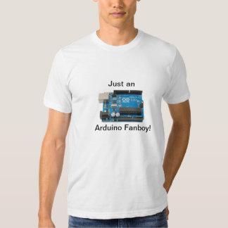 Apenas um Fanboy de Arduino! T Shirts