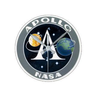 Apollo time round clock