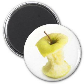 Apple core magnet