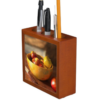 Apples Desk Organiser