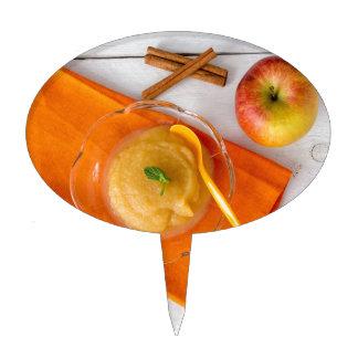 Applesauce with cinnamon and orange spoon cake picks