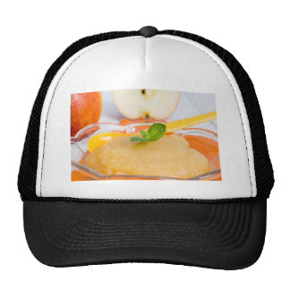 Applesauce with cinnamon and orange spoon cap