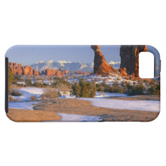 ARCHES NATIONAL PARK, UTAH. USA. Balanced Rock iPhone 5 Covers