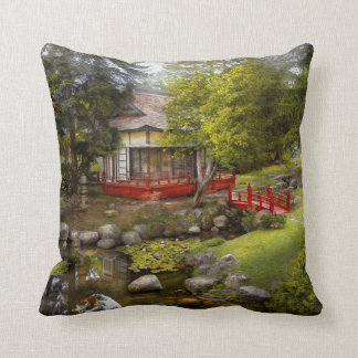 Architecture - Japan - Tranquil moments Pillow