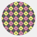 Argyle turtle pattern on black round stickers