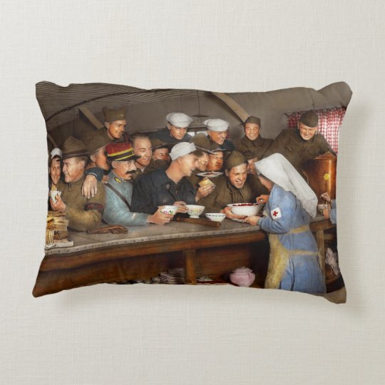 Army - War buddies 1918 Decorative Cushion