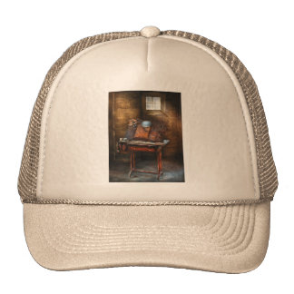 Artist - The etching table Mesh Hat
