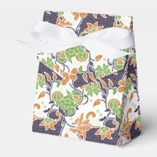 Artistic floral vines batik pattern favour box