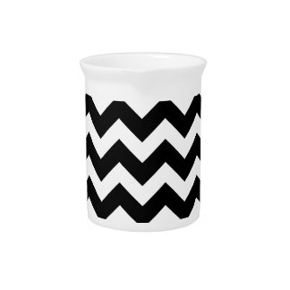 Artistic zigzag Black and white Pitcher