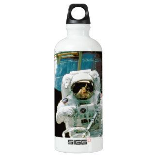 Astronaut Repairing Hubble SIGG Traveller 0.6L Water Bottle