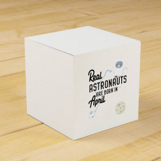 Astronauts are born in April Zg6v6 Favour Box