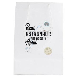 Astronauts are born in April Zg6v6 Medium Gift Bag