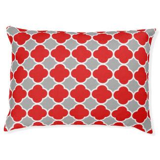 Attractive and Unique Red Gray Quatrefoil Pattern