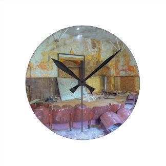 Auditorium 01.0, Lost Places, Beelitz Round Clock