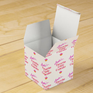 Auntie's Favorite Little Cupcake Wedding Favour Box