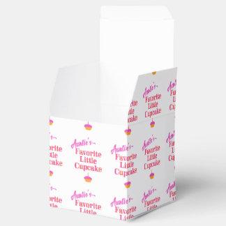 Auntie's Favorite Little Cupcake Wedding Favour Box