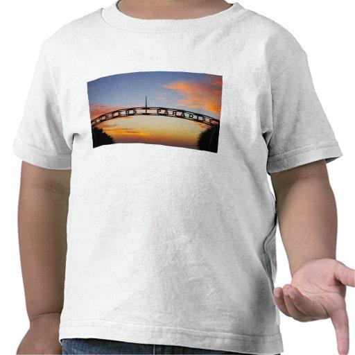 Australia, Queensland, Gold Coast, Sunrise, T-shirts