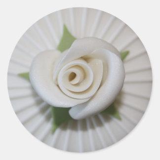 Auto colante Button of Rosa Classic Round Sticker