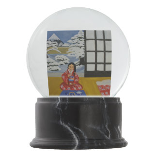 Autumn and winter scenes in Japan Snow Globe