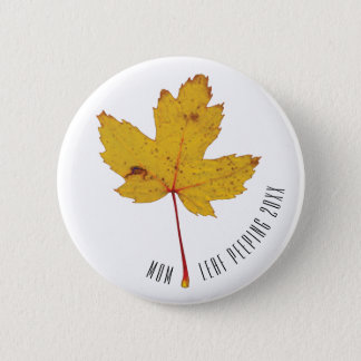 Autumn Leaf Peeping Personalized 6 Cm Round Badge